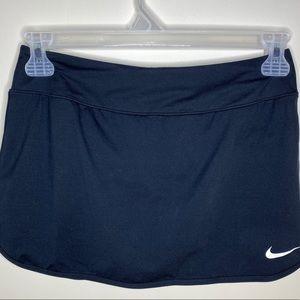 NIKE tennis skirt. Skort. Size medium